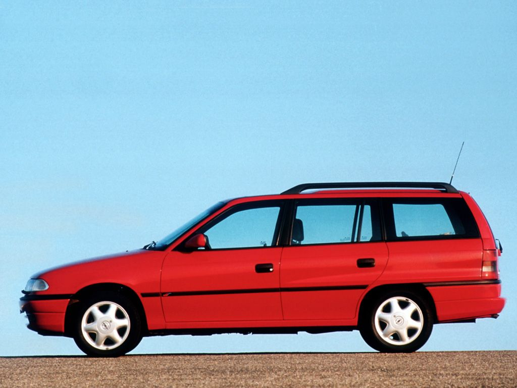 Снимки: Opel Astra F Caravan